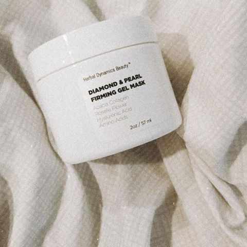 Diamond and pearl firming mask