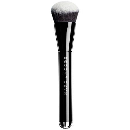 The Face II Sculpting Foundation Brush No. 2