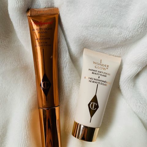 Be the sparking girl! Your On-the-Go Glow Set