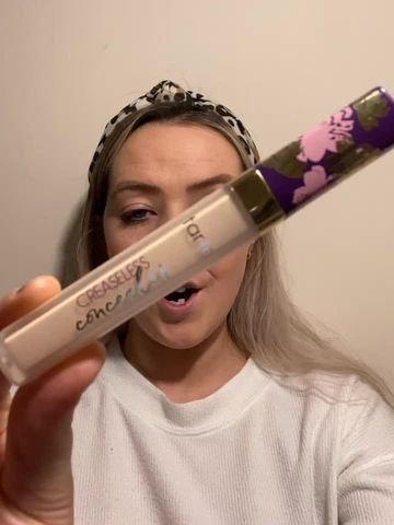 Creaseless concealer?! Sign me up